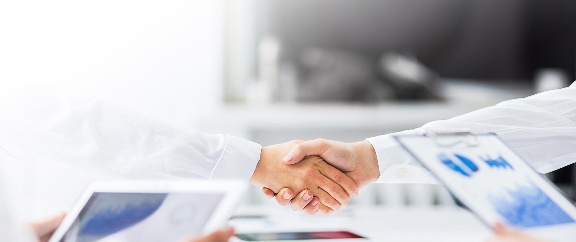 私たちウェル・ビーイングは健康保険組合の問題解決パートナーです